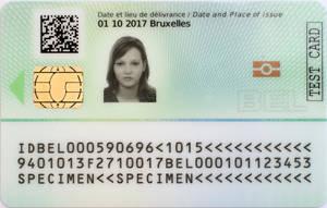 Délivrance de la première nouvelle carte eID à Lokeren (15 janvier 2020)   IBZ - SPF Intérieur