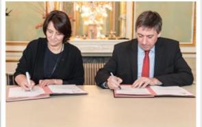 Bestuursovereenkomst 2016-2018 ondertekend door minister en voorzitster